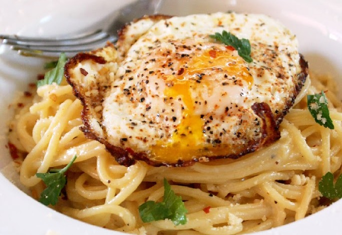 breakfast-pasta-with-fried-eggs-and-cheese-4-